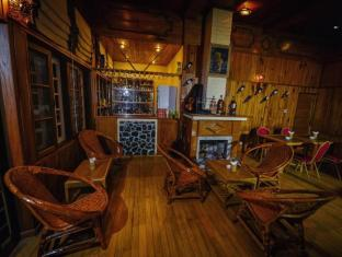 Pine Hill Resort Kalaw - Pub/Lounge