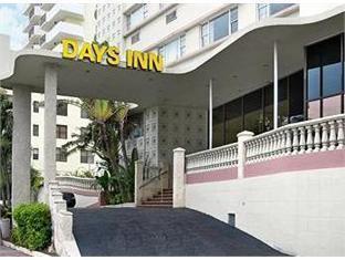 Days Inn Oceanside Hotel Miami (FL) - Exterior