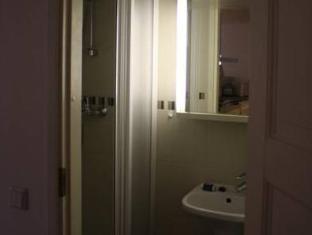 Esplanaadi Apartment بارنو - حمام