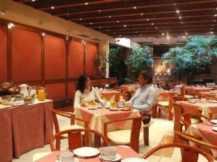 Wilton Hotel Buenos Aires - Buffet Breakfast