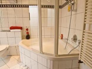 Best Western Plaza Hotel Frankfurt am Main - Bathroom