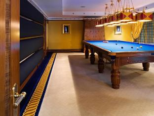Burj Al Arab Hotel Dubai - Club Suite Snooker Room