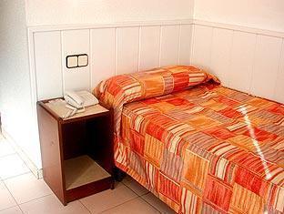 Condestable Hotel Barcelona - Single Room