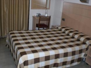 Condestable Hotel Barcelona - Guest Room