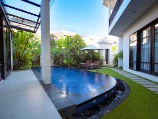 D'Wina Villa Kuta Bali - Guest Room