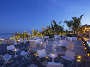 Mulia Villas Nusa Dua Bali - Food, drink and entertainment