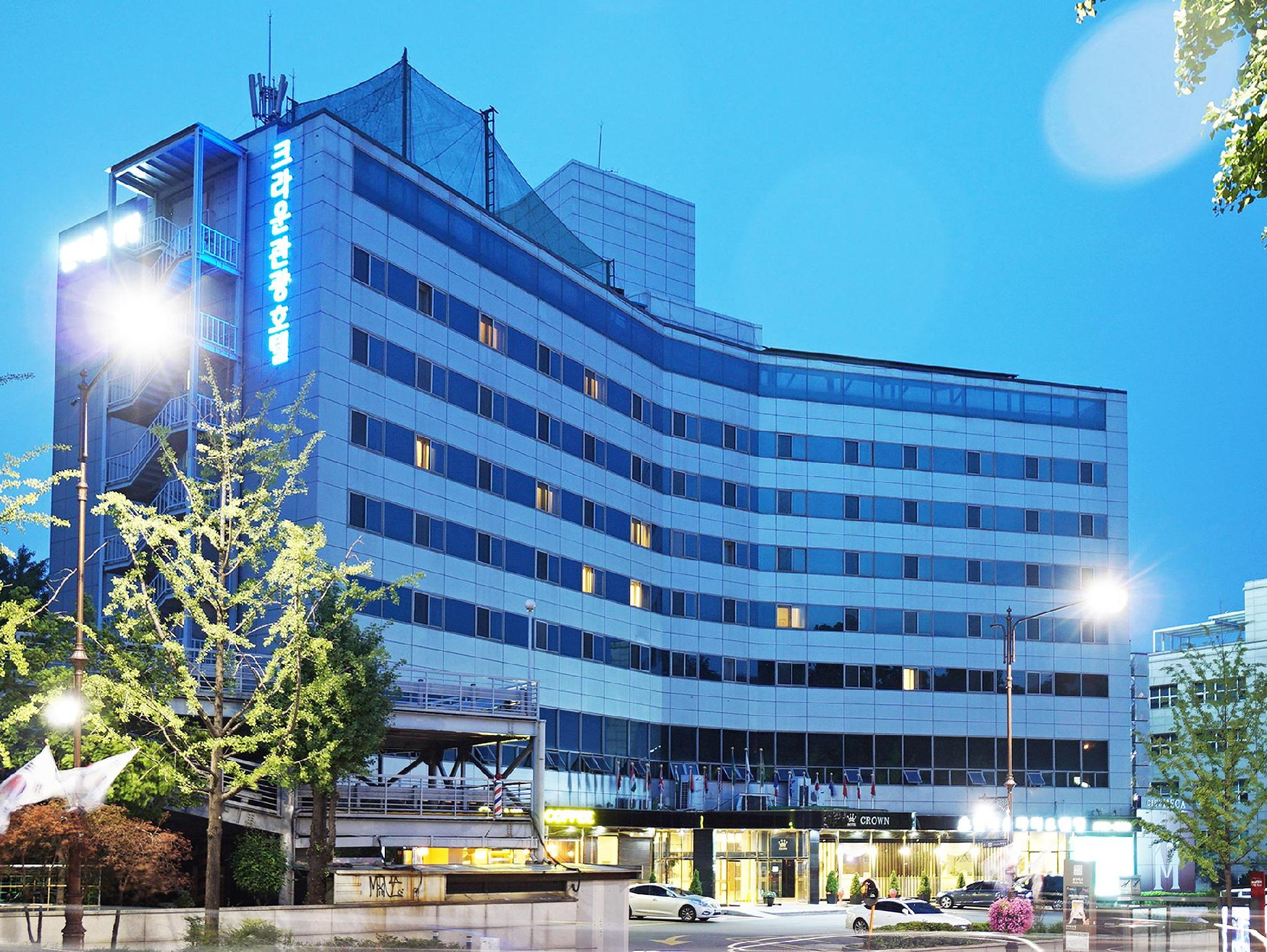 Itaewon Crown Hotel - Hotels and Accommodation in South Korea, Asia