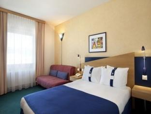 Holiday Inn Express Geneva Airport Geneva - Guest Room