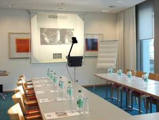Holiday Inn Express Geneva Airport Geneva - Meeting Room