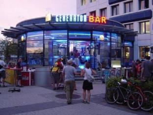 Generator Hostel Berlin Prenzlauer Berg ברלין - בית המלון מבחוץ