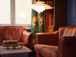 Collector's Lord Nelson Hotel Stockholm - Hotellet indefra