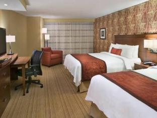 Courtyard By Marriott Calgary Airport Hotel Calgary (AB) - Guest Room