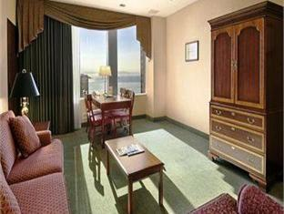 Red Lion On Fifth Avenue Hotel Seattle (WA) - Suite Room