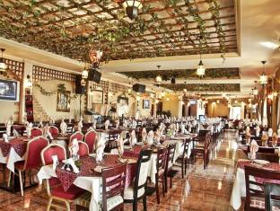 Regent Beach Resort Dubai - Food, drink and entertainment