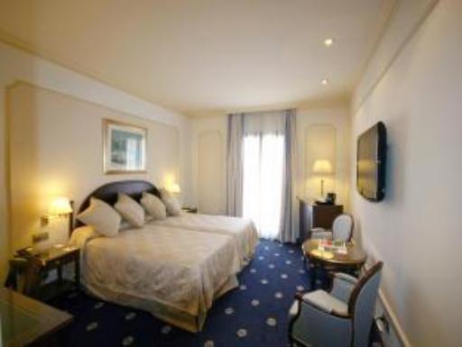 ➦  Luxe Worldwide Hotels    customer rating