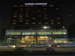 Seokyo Hotel Szöul - A szálloda kívülről