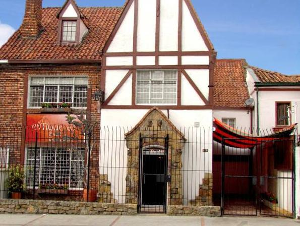 Hotel Antique 65 - Hotels and Accommodation in Colombia, South America