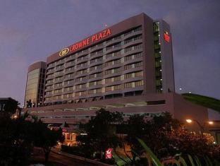 Crowne Plaza Hotel photo