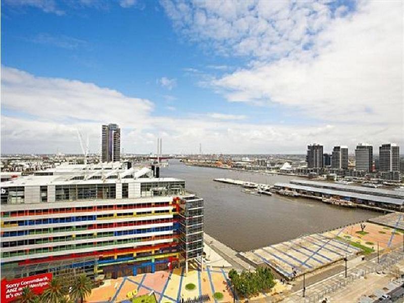 Astra Apartments Merchant Docklands - Hotell och Boende i Australien , Melbourne