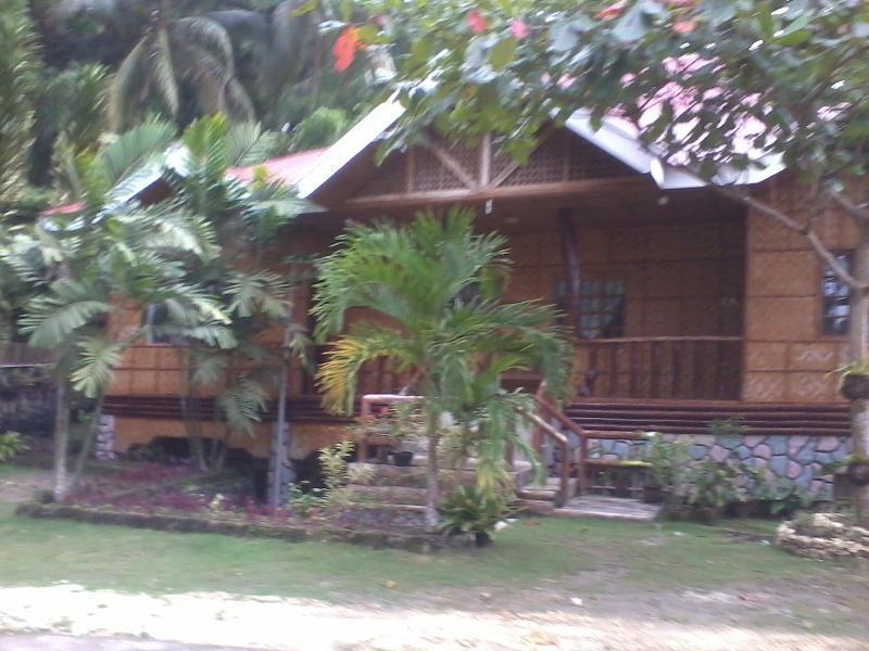 Hilltop Cottage Resort בוהול