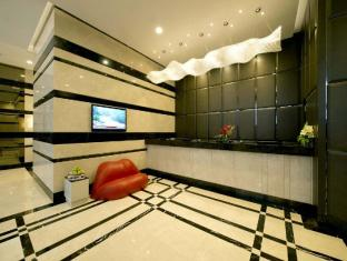 V Hotel Bencoolen Singapur - Vestíbul