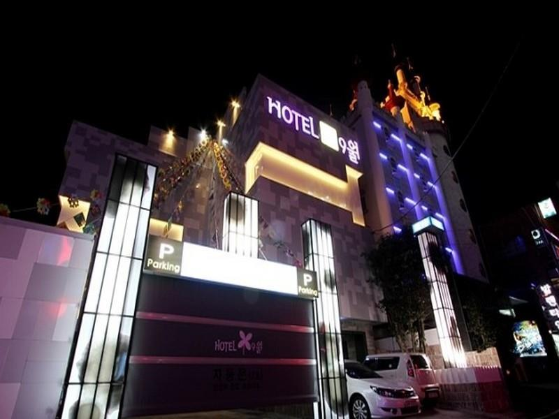 Hotel September - Hotels and Accommodation in South Korea, Asia