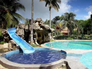 Rompin Beach Resorts 云冰海滩度假村
