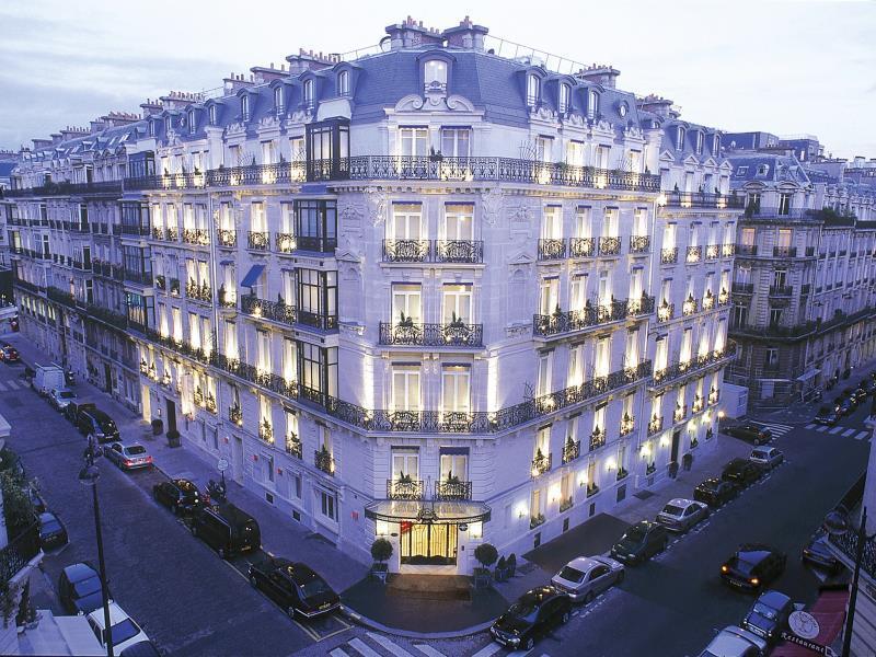 Hotel La Tremoille - Hotell och Boende i Frankrike i Europa