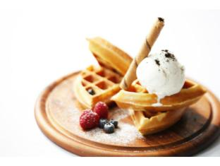 BIG Hotel Singapore - Buttermilk Waffles with Ice Cream