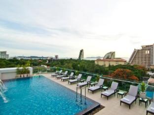 The Ivory Villa Pattaya - Swimming Pool