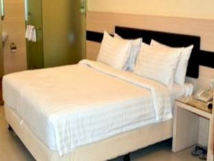 Sumi Hotel Jakarta - Kamar Tidur