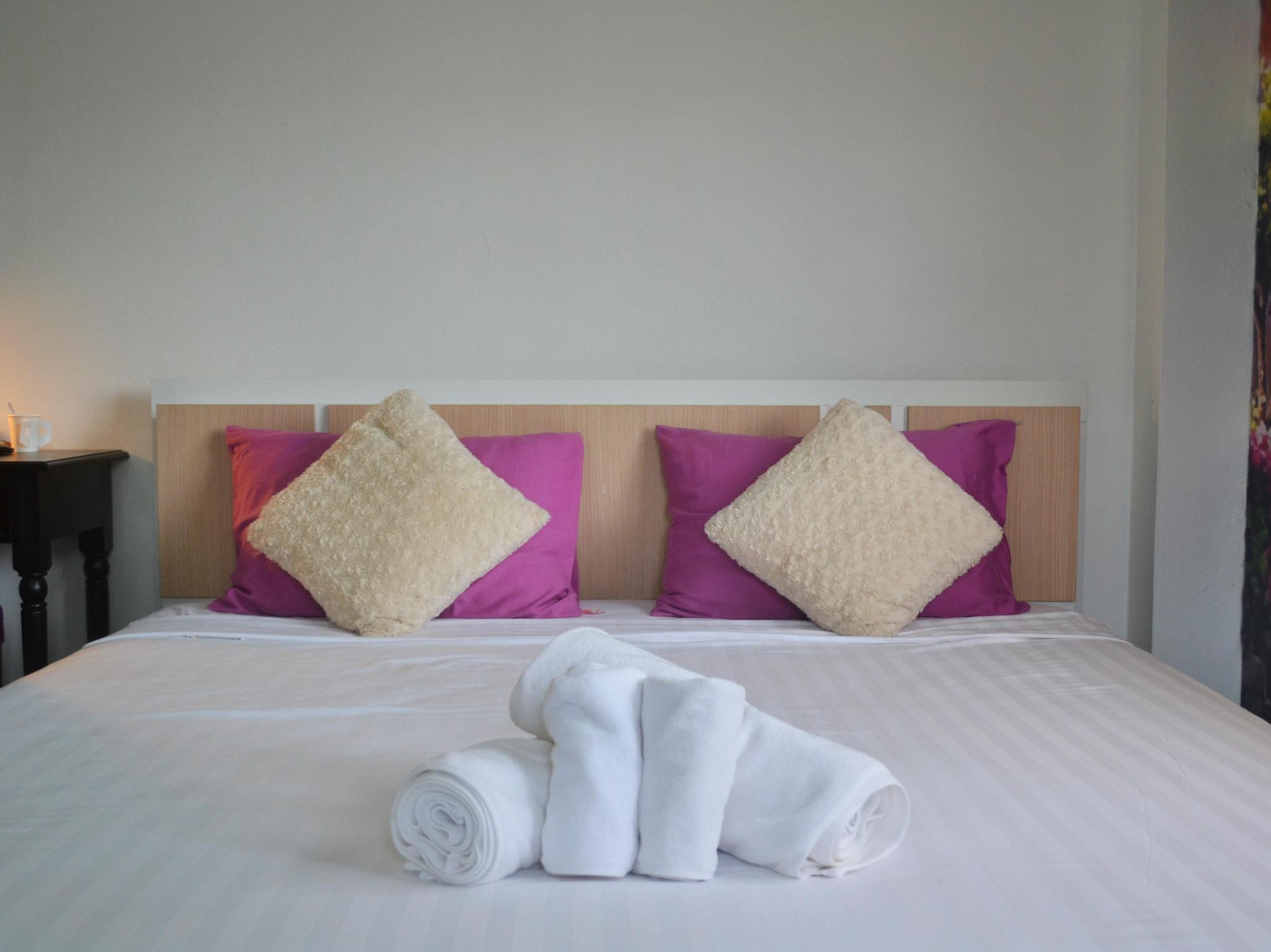 Phuket Art Home - Hotels and Accommodation in Thailand, Asia