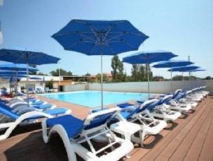Charming Mamaia Apartment Mamaia - Swimming Pool