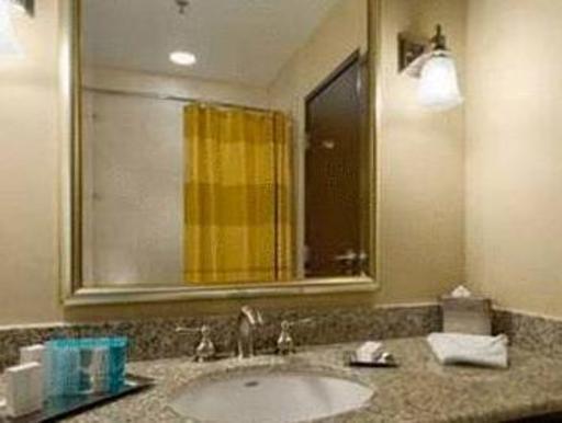 ➦  Hilton Worldwide    (Texas) customer rating