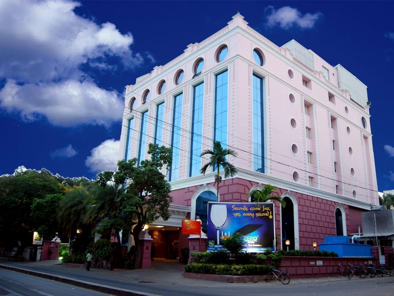 Quality Inn Sabari Hotel - Hotell och Boende i Indien i Chennai
