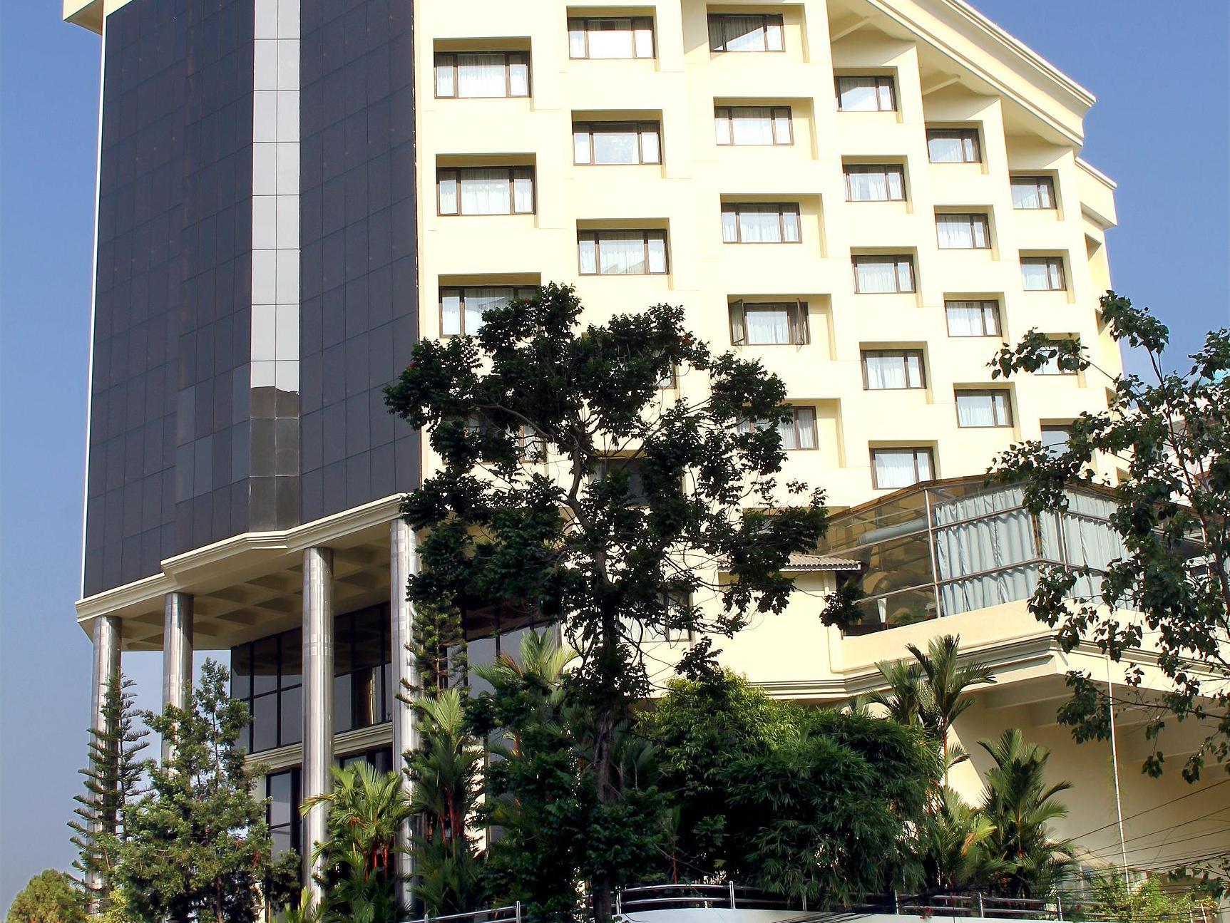 Gokulam Park Hotel - Hotell och Boende i Indien i Kochi / Cochin