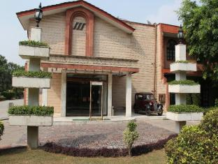 Ashok Country Resort New Delhi and NCR - Hotel Exterior