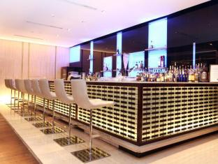 The Lalit New Delhi New Delhi and NCR - Food, drink and entertainment