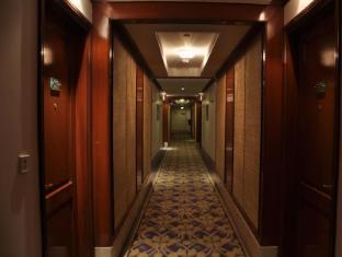 The Uppal - An Ecotel Hotel New Delhi and NCR - Corridor
