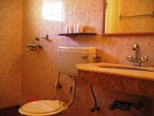 Nizmar Resort North Goa - Bathroom
