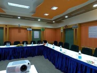 Quality Inn Mgm Beach Resort Mahabalipuram - Koosolekuruum