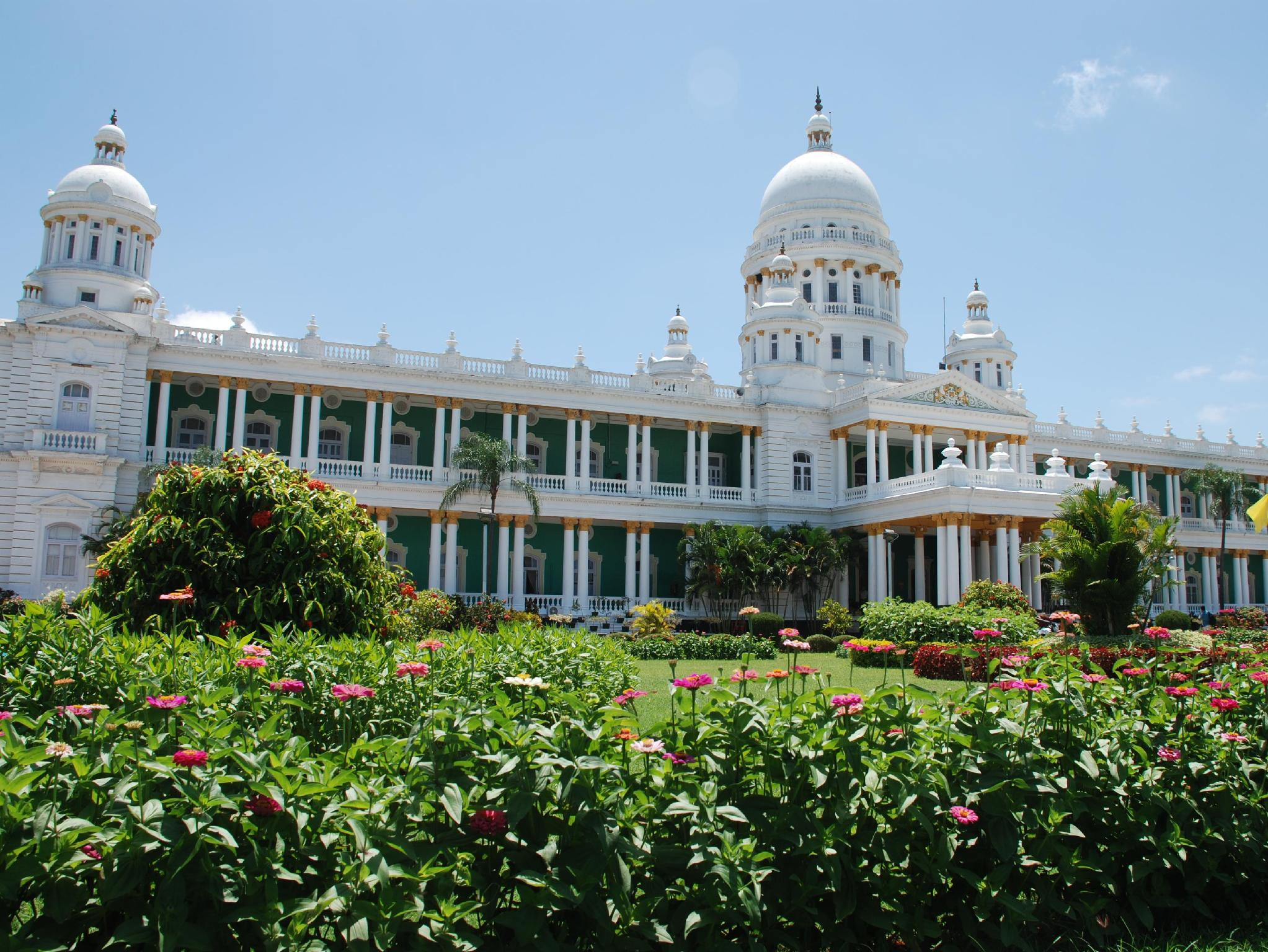 Lalitha Mahal Palace Hotel - Hotel and accommodation in India in Mysore