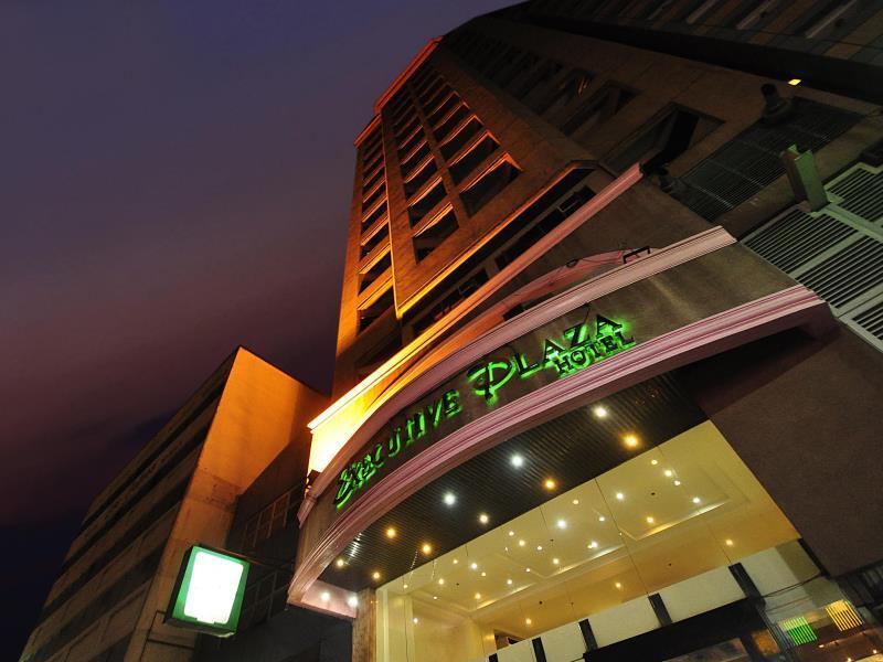 โรงแรมเอ็กเซ็กคิวทีฟ พลาซ่า