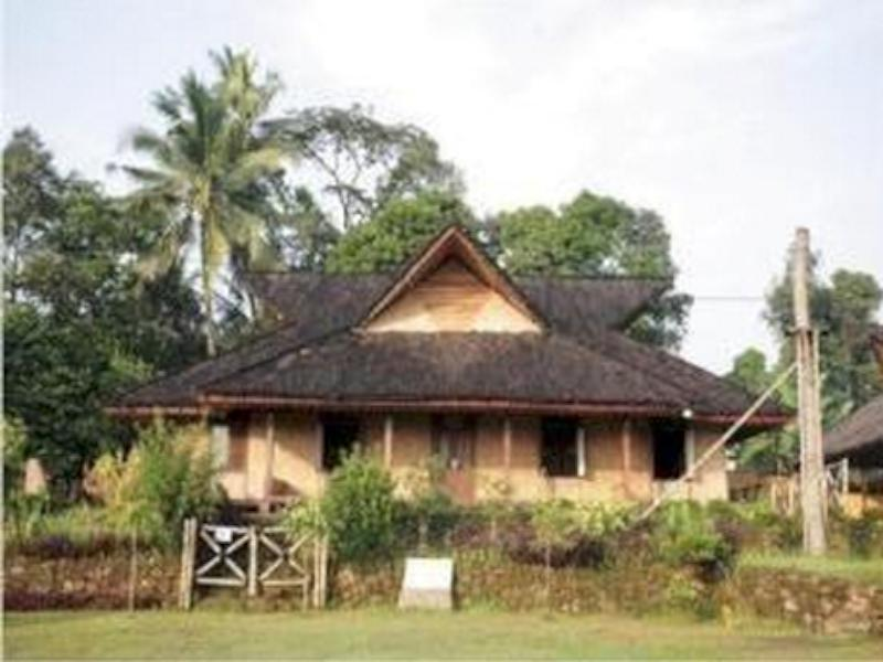 Kampung Budaya Sindang Barang House - Hotels and Accommodation in Indonesia, Asia