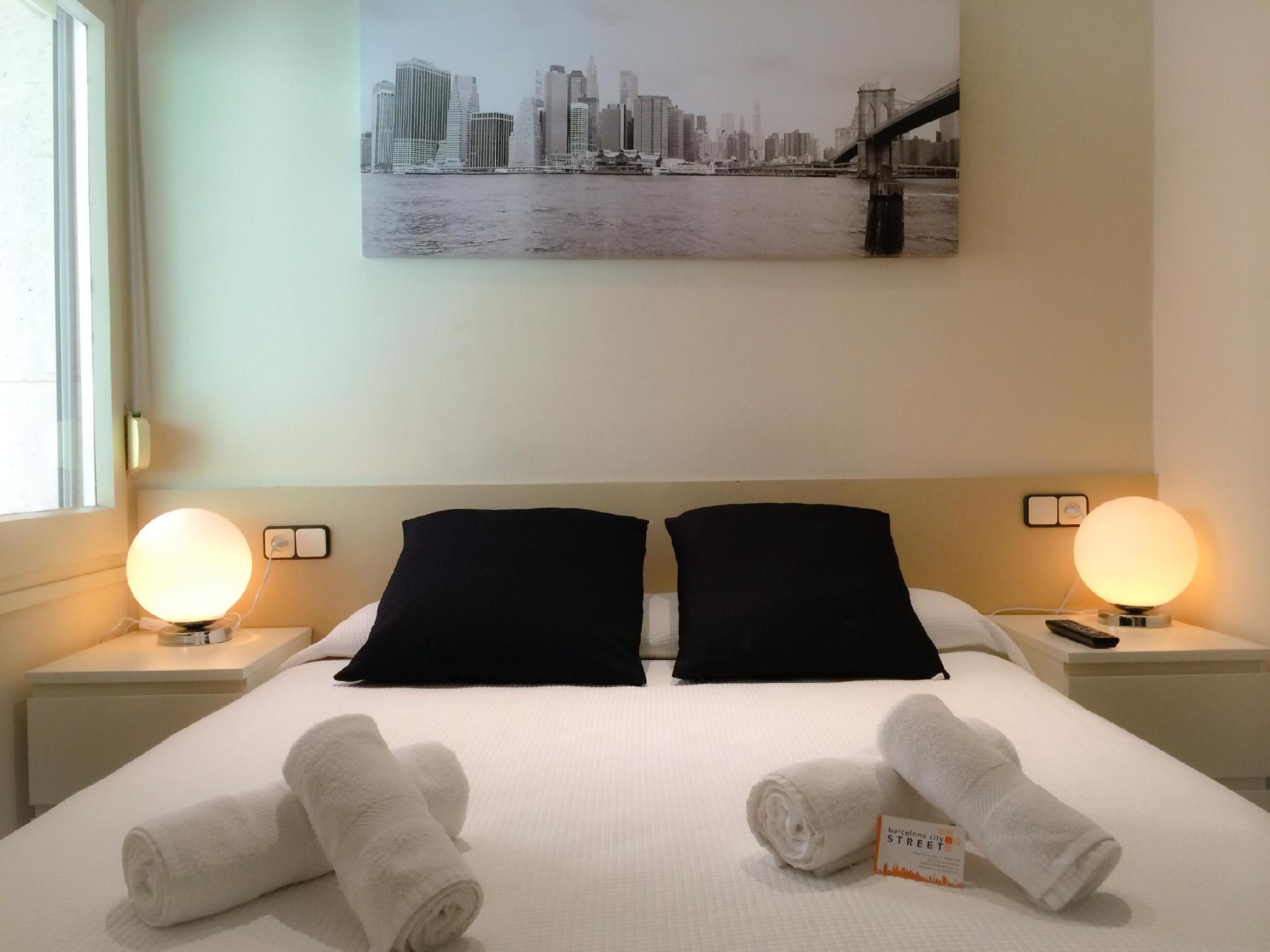 Barcelona City Street Guesthouse
