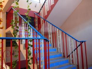 Pacific Inn Phuket - The stairs way
