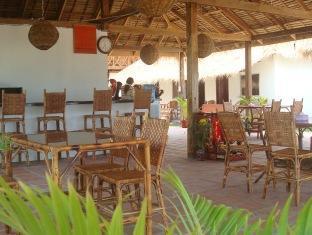 White Beach Bungalows Sihanoukville - Restaurant