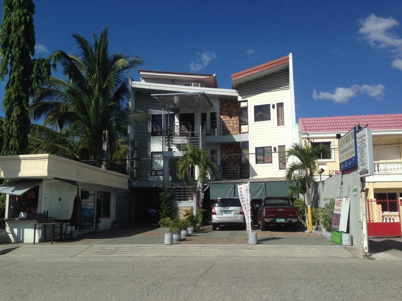 Centrium Condominium Hotel - Hotels and Accommodation in Philippines, Asia