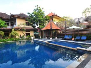 Sandat Hotel Legian Bali - Swimming pool