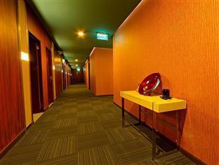 Madison Square Garden Hotel Manila - Hotel Hallway